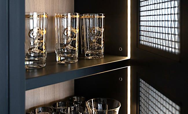 Zeniou - inside cabinet view-1